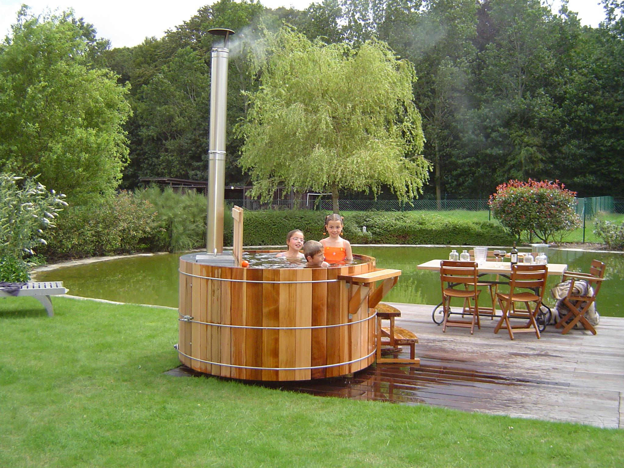 Hottubs Well-Aqua